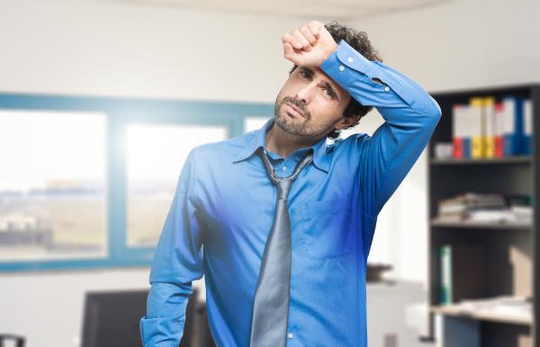 Zu starke Hitze im Büro oder Zuhause sind schlecht für den Körper