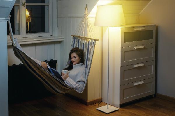 Vor dem Schlafengehen kann auch Kaffee eine Ursache fuer Schlafmangel sein
