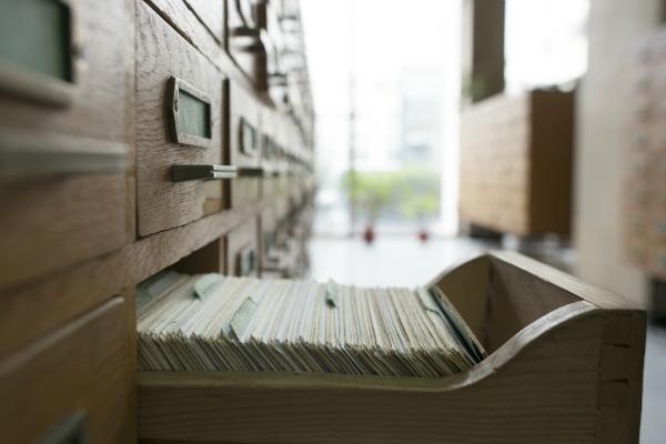 Optimale Luftfeuchtigkeit im Archiv ist wichtig