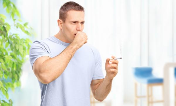Zigarettenrauch wirkt sich negativ auf Raucher und besonders auf Passivraucher aus