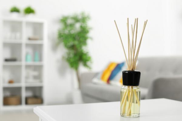 Aromatischer Lufterfrischer im Raum