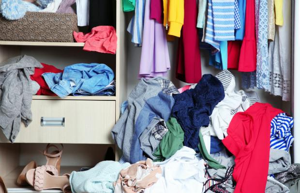 Die Kleidung selbst kann einen muffigen Geruch verursachen