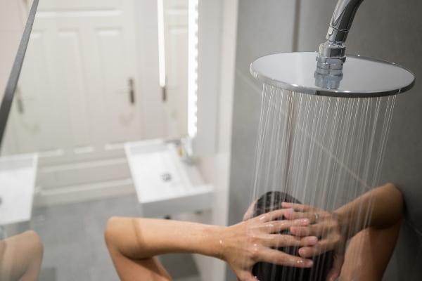 duschen-steigert-die-luftfeuchtigkeit