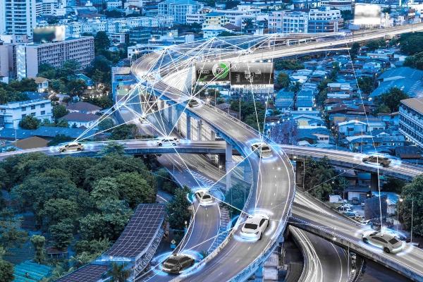 Intelligente Autos mit automatischem Sensor Smart City