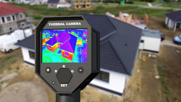 Infrarotkamera auf ein Haus gerichtet
